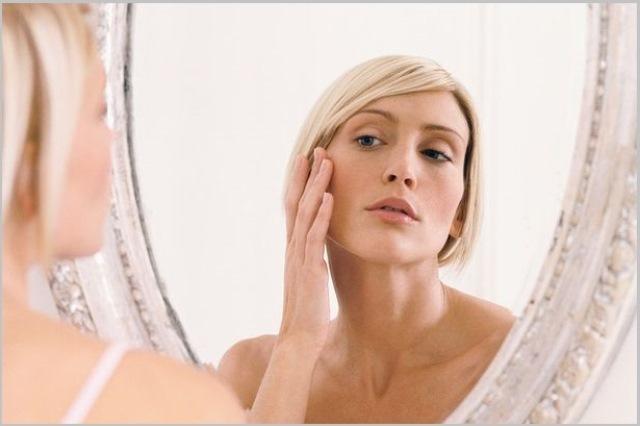 Косметолог салона красоты Этерия об ошибках в уходе, которые делают нас старше