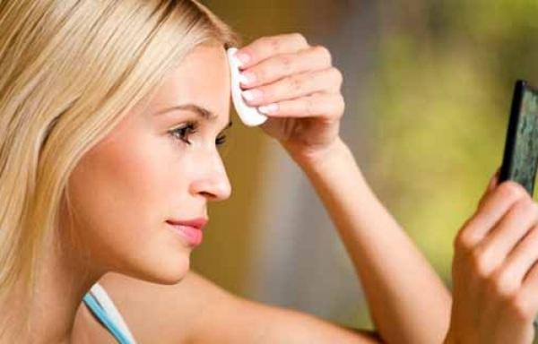 Медико-косметологический центр E Cosmetology об особенностях ухода за проблемной кожей