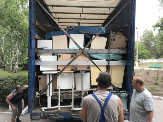 Александр Петровский организовал гуманитарную помощь для интерната и дома престарелых